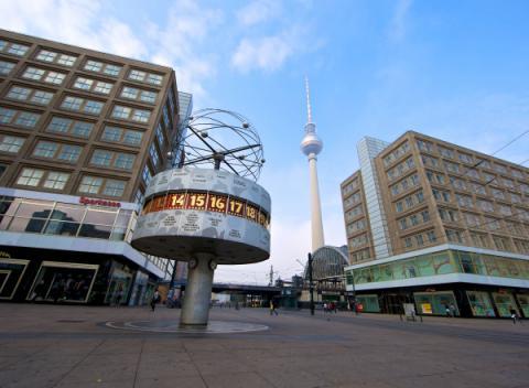 Alexnderplatz wereldklok en uitzichttoren Berlijn